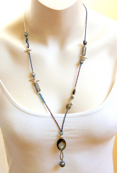 Fiva Halskette Blau-Grau-Perlmutt ,lang
