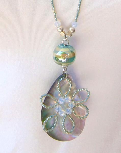 Fiva Halskette Meer-Grün-Perlmutt