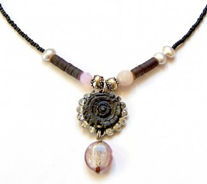 Fiva Halskette Grau-Rosa